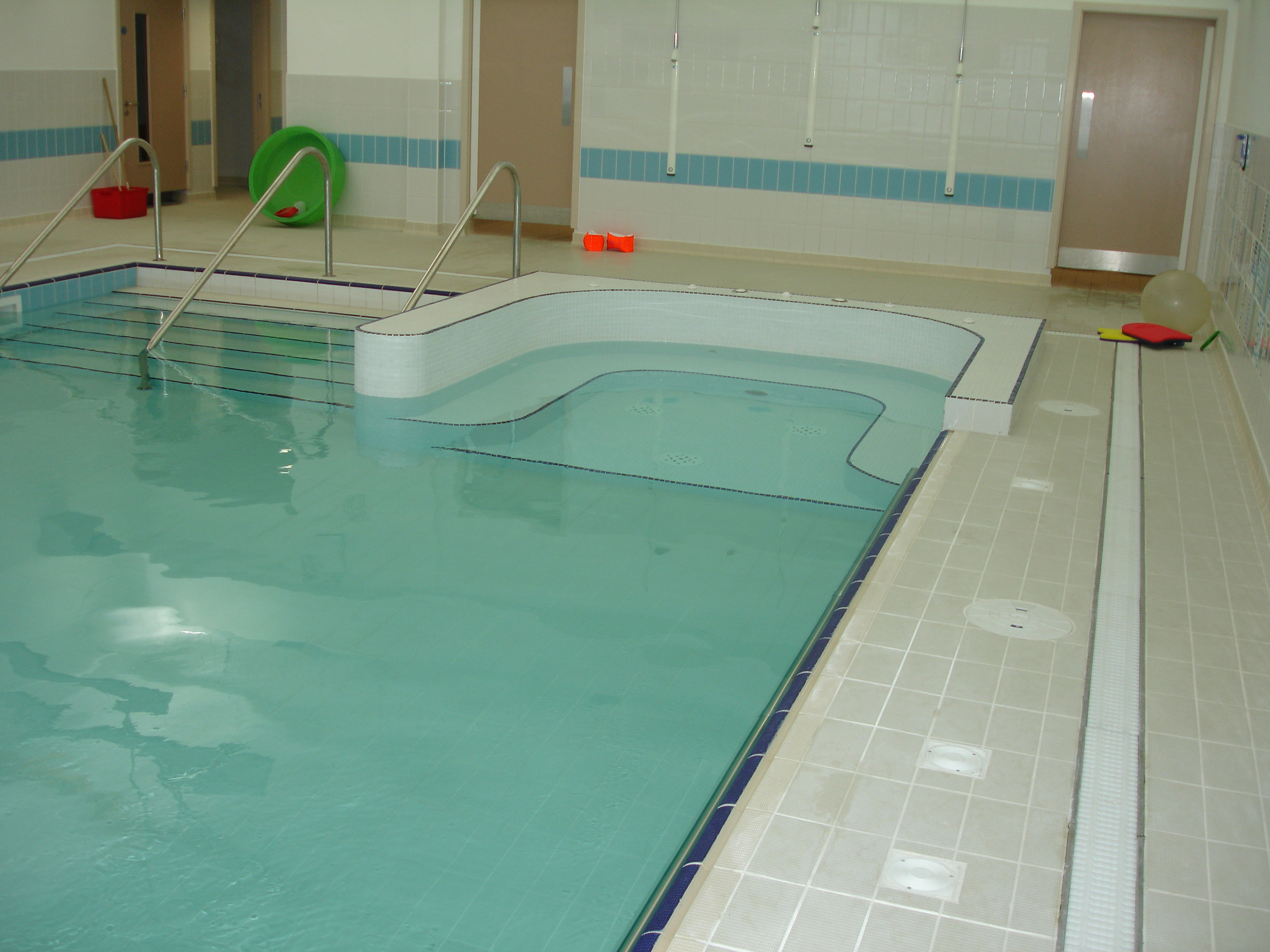 hydrotherapy pools 7 zoom in